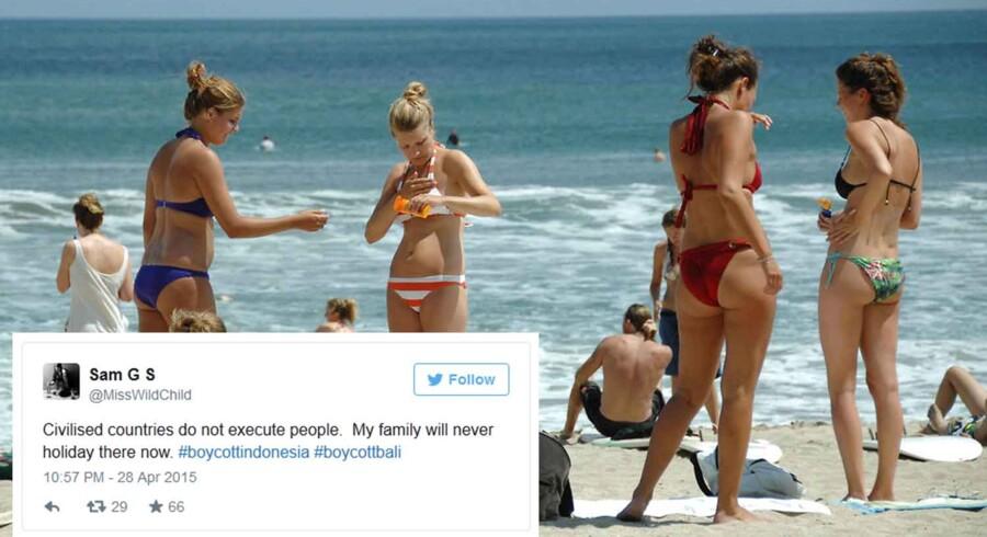 ARKIVFOTO. Turister nyder solen på stranden i Kuta på den indonesiske feriø Bali.