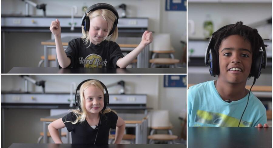 Oliver, Lulu og Benjamin fra Nyboder skole lytter til Beatles.