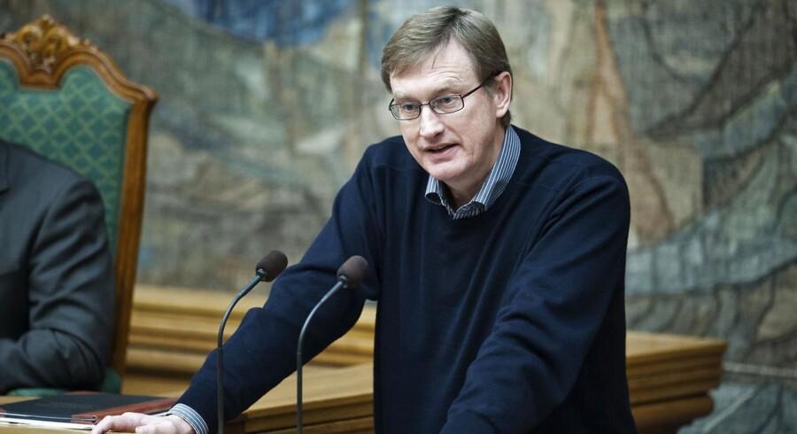 Venstres erhvervsordfører, Kim Andersen, vil opfordre erhvervsministeren (Henrik Sass Larsen (S), red.) til at gribe ind omgående.