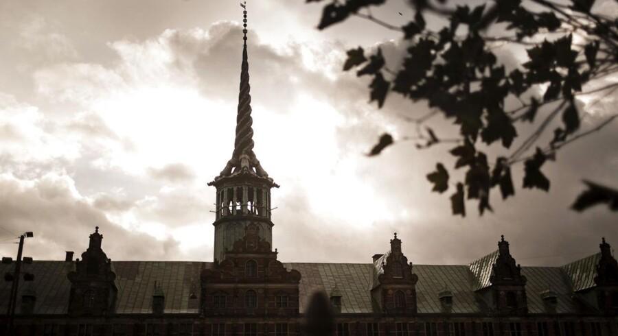 Erhvervsorganisationen Dansk Erhver ser den foreslåede indsats mod skattely som en »uheldig enegang«, der kan medføre, at virksomheder går uden om Danmark, når de skal investere.
