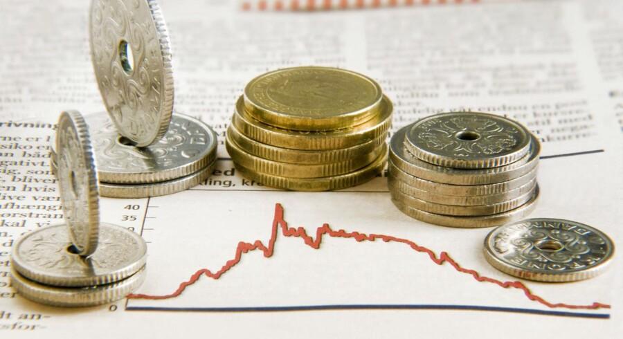ARKIVFOTO. Nationalbanken måtte sælge 12 mia. kroner på valutamarkederne i fredags for at holde kursen nede.