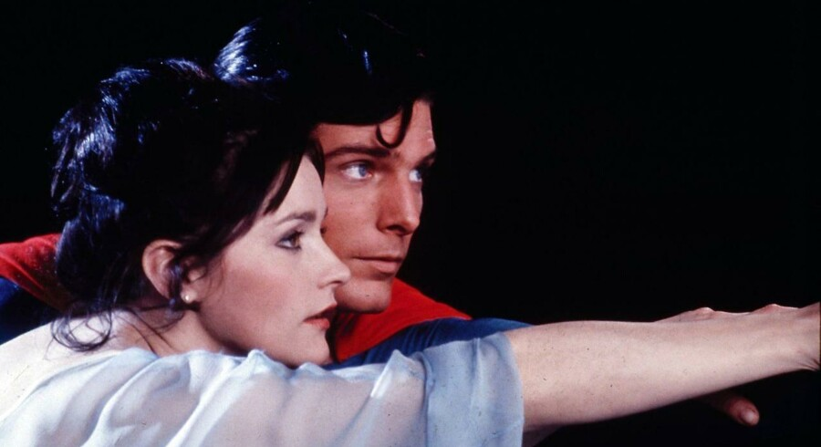 New York by nigth. Christopher Reeve som Superman og Margot Kidder som Lois Lane på natlig flyvetur i »Superman«. (AP Photo/TMS & DC Comics Inc.). (Foto: /Ritzau Scanpix)