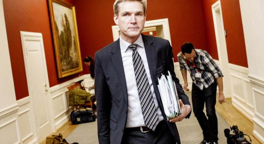 Thulesen Dahl er klar til at redde Løkkes finanslov - også selvom det betyder, han skal sluge nogle økonomiske kameler, skriver Børsens politiske redaktør i dag.