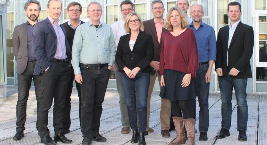 De digitale vismænd med formand Ole Lehrmann Madsen forrest (i lys skjorte). Foto: ATV