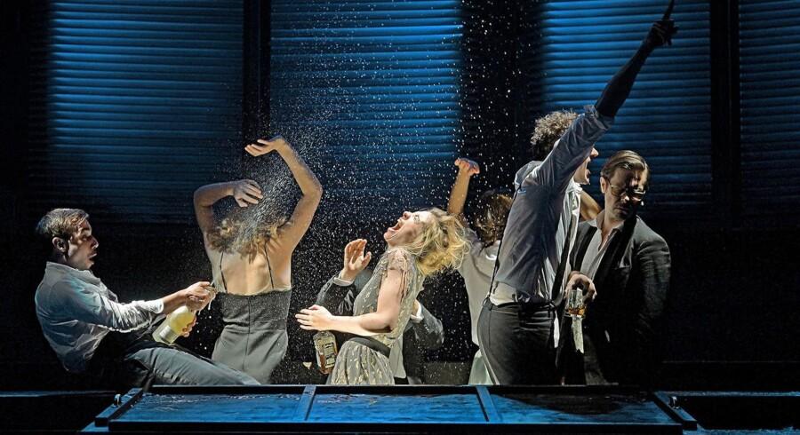 Staatstheater Wiesbadens opsætning af »De Sataniske Vers« er blevet godt modtaget af både kritikere og publikum. Foto: Andreas Etter