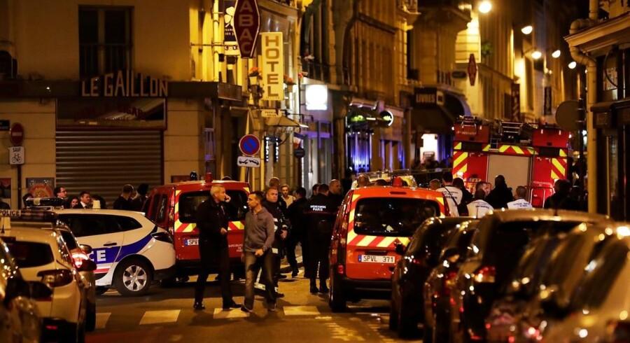 Politiet kan bekræfte, at der har været et knivangreb lørdag aften i den del af byen, der kendes som 2. arrondissement. . / AFP PHOTO / Thomas SAMSON
