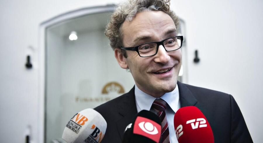 »Vi er meget kraftige tilhængere af at fremrykke stigningen i pensionsalderen,« siger Liberal Alliances finansordfører, Ole Birk Olesen.