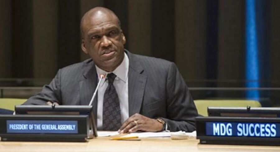 Antigua og Barbudas ambassadør, John W. Ashe, er præsident for den 68. generalforsamling i FN, som onsdag vedtog at tage afstand fra masseovervågning. Foto: FN