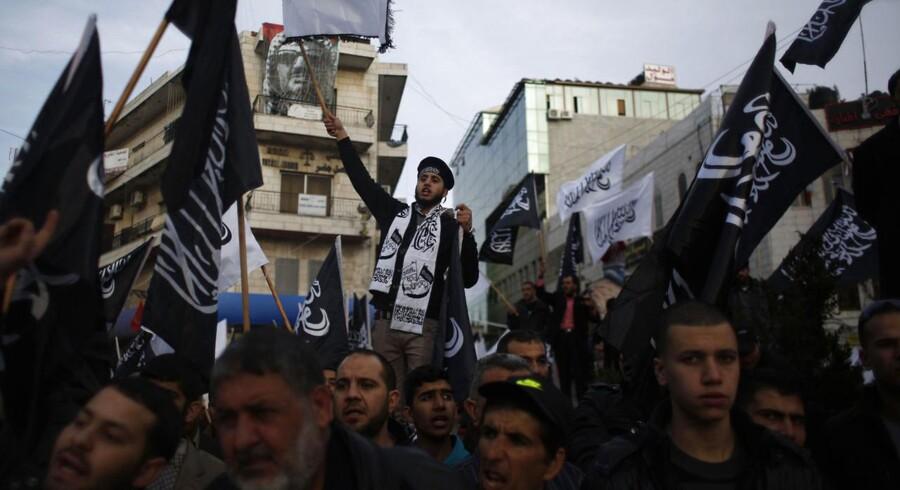 Arkivfoto fra palæstinensiske Hizb ut-Tahrir-støtters protestdemonstration mod Charlie Hebdo.