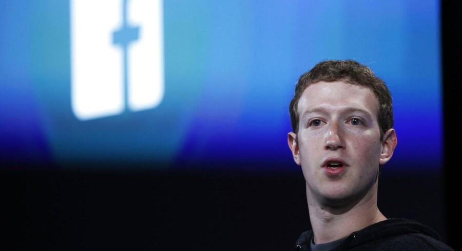 Facebook-topchefen Mark Zuckerberg kalder chattjenesten Snapchat et meget interessant privatlivsfænomen, fordi det et nyt rum til kommunikation - og plads til at dele det, folk ikke tidligere ønskede at dele online. At skabe plads til mere private beskeder og afgrænset chat med udvalgte grupper beskriver han som en stor del af den innovation, der bliver arbejdet på lige nu.