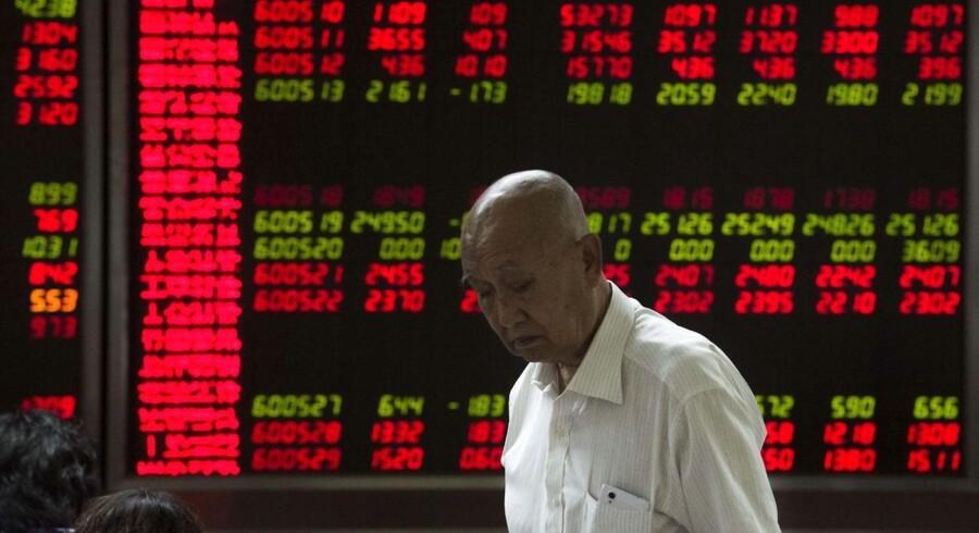 De nærmest kaotiske tilstande på det kinesiske aktiemarked har sat den almindelige opfattelse af Kina som et godt sted for investeringer på prøve. For hvor stabil er væksten? Og er det kinesiske styre reelt parat til at løsne sit greb om det statskontrollerede marked?