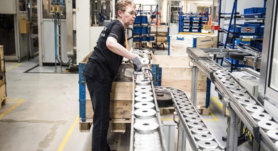 Beskæftigelsen blandt lønmodtagere steg i andet kvartal med 7.600 fuldtidsbeskæftigede i forhold til kvartalet før. Det svarer til en stigning på 0,3 pct.