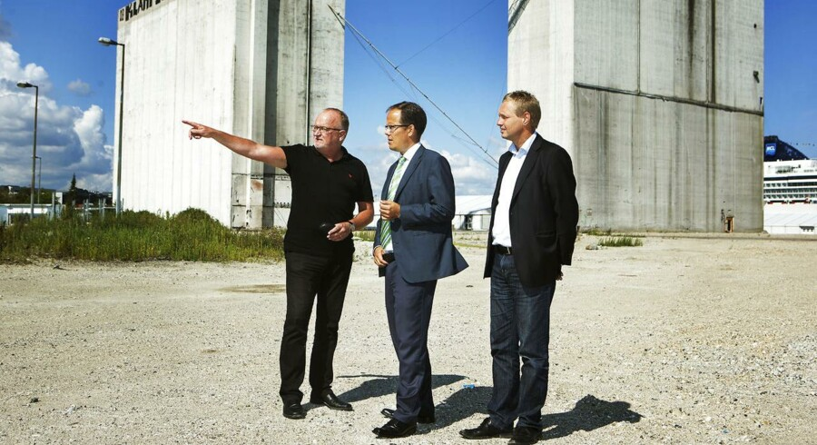 Søren Dal Thomsen (midten), adm. direktør i AP Pension, er blandt dem, der vil skrue op for investeringerne i ejendomme.