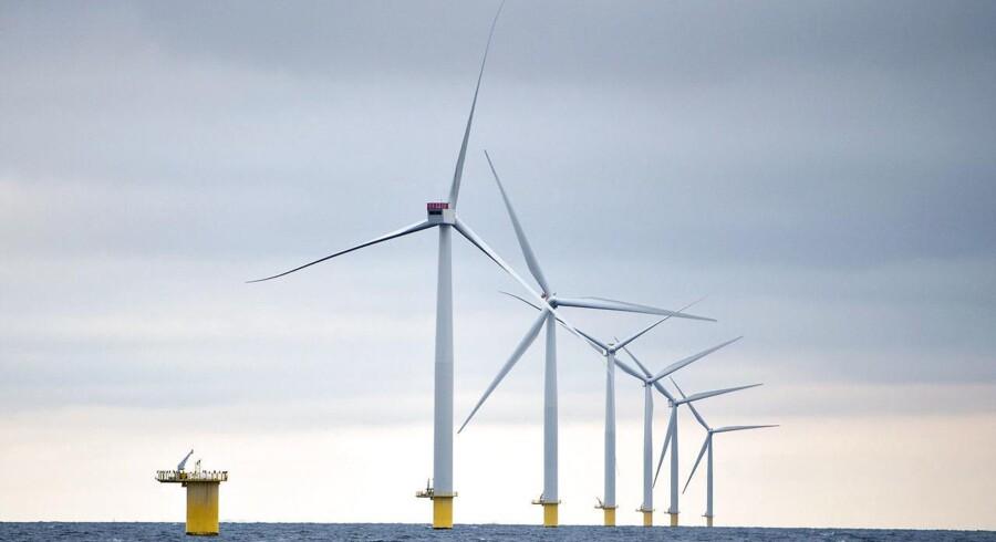 For en typisk dansk husstand, som årligt bruger 4.000 kilowatt-timer, betyder det en ekstra årlig udgift på knap 400 kr., og for hele samfundet er der tale om en ekstra udgift på mindst tre milliarder kr. årligt.