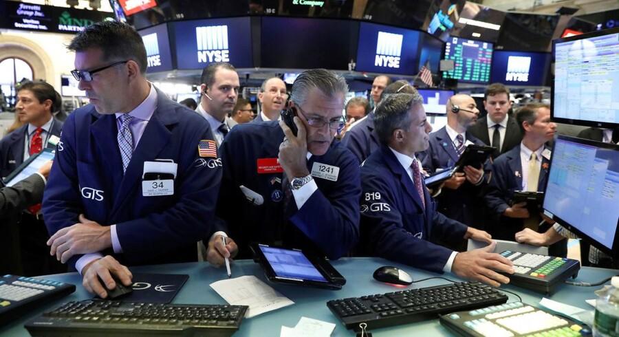 Arkivfoto. Investorerne sender renten ned onsdag middag i et afventende marked.