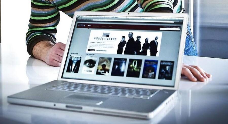Netfilmtjenester som Netflix er blevet voldsomt populære gennem de seneste to år og sluger nu en betragtelig del af internetkapaciteten. Arkivfoto: Preben Madsen, Scanpix