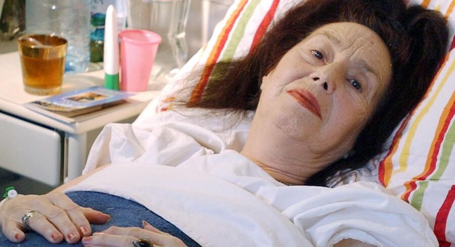 Den dengang 66-årige rumænske kvinde Adriana Iliescu fødte en lille pige i Bukarest i 2005. Pigen vejede kun 1.450gram, og hendestvillingesøster var dødfødt.De flestegamle nybagte mødre i Europa er dog langtfra så gamle som Adriana.