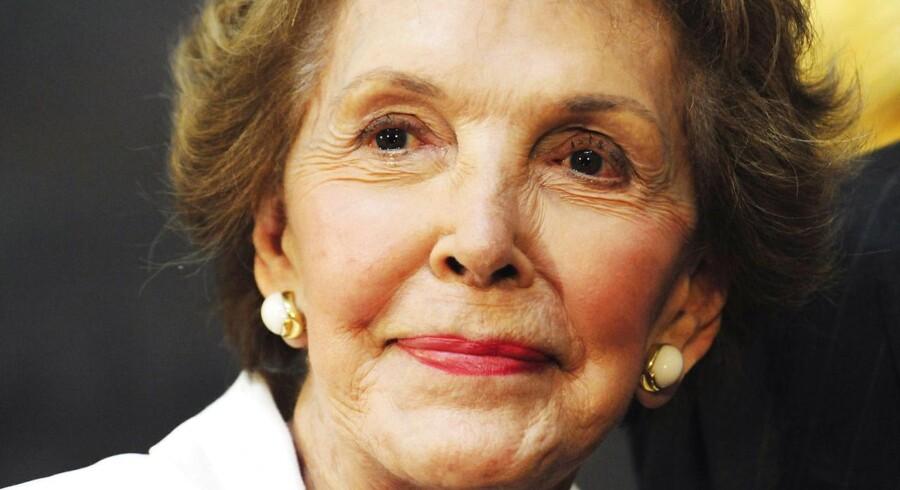 Nancy Reagan er død.