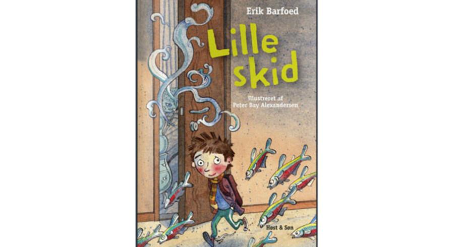 Erik Barfoed: »Lille skid«. Illustrationer: Peter Bay Alexandersen. Sider: 115. Pris: 200 kr. Forlag: Høst & Søn.