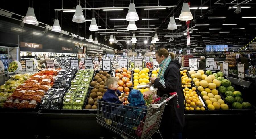 De danske supermarkeder bugner med »køb dansk«-kampagner for at lokke holdningsbevidste kunder til. Foto: Johan Gadegaard