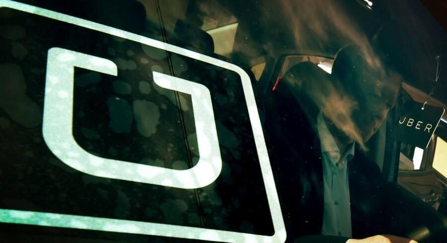 De seks Uber-chauffører, som risikerer bøder i sagen, må vente lidt endnu, før der kan sættes punktum i sagen.