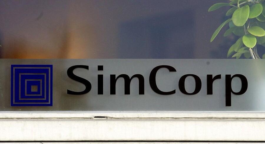 Det danske softwareselskab Simcorp tager et dyk tirsdag morgen, hvor selskabets aktie falder med 8 pct. til 275 kr. ved børsåbningen.