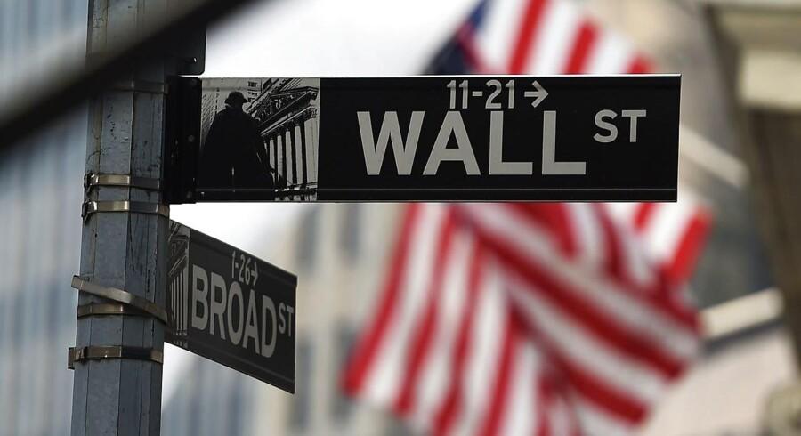 På trods af rentestigninger vil USA kunne trække væksten i verdensøkonomien i 2016, mens Europa kan følge efter.