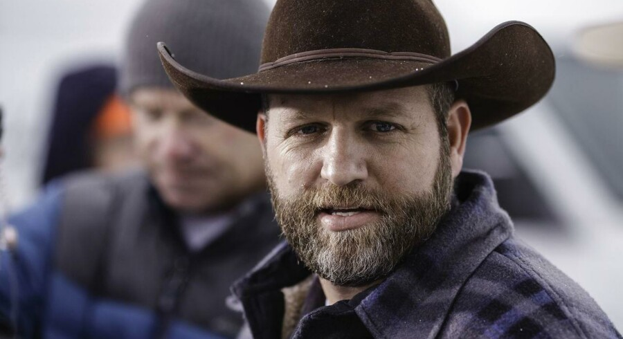 Ammon Bundy, leder af militsen som har besat vildtreservatet i Oregon, er anholdt og sigtet for konspiration mod staten.