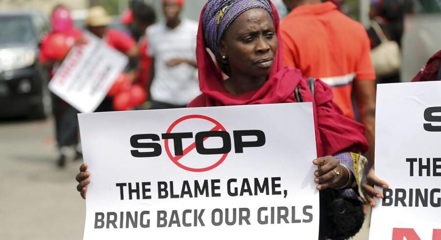 Der var demonstration i Nigerias største by Lagos fredag, hvor de bortførste skolepiger blev krævet løsladt.
