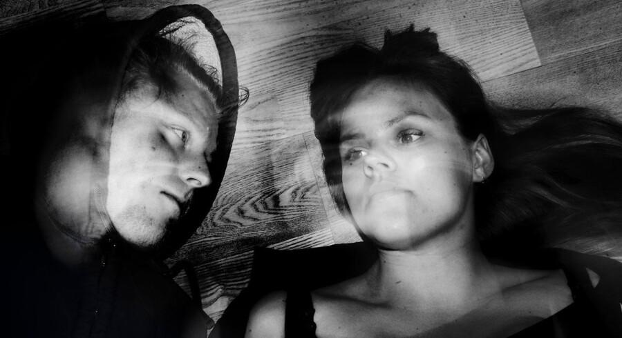 """Filminstruktøren Ville Gideon Sörman og skuespilleren Amalie Lindegård fortæller om deres arbejde med at indspille to sexscener til filmen """"Nyforelsket""""."""