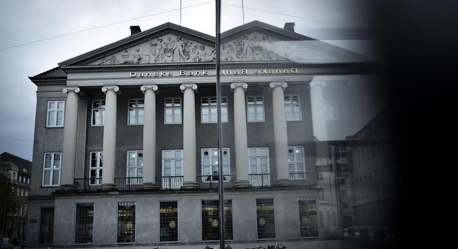 Nationalbankens seneste tre rentenedsættelser, hvor den danske indskudsrente er blevet sænket fra -0,2 pct. til -0,50 pct. er dyr for Danske Bank.