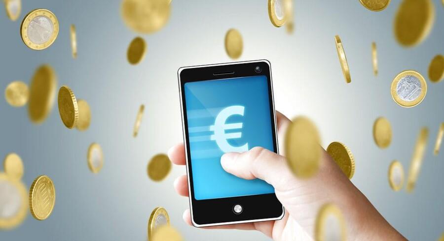Det bliver meget hurtigt en dyr fornøjelse at bruge mobiltelefonen i udlandet, navnlig til at gå på nettet med. Foto: Iris/Scanpix