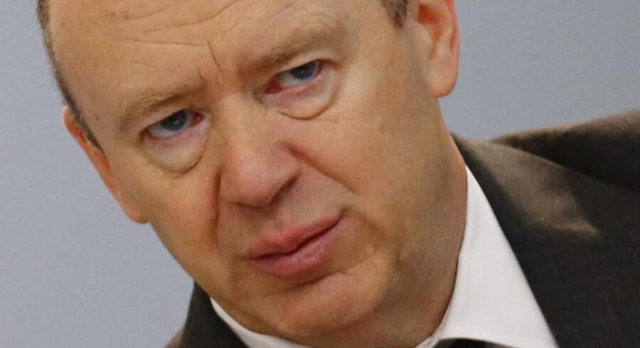 I oktober satte Deutsche Bank-topchef, John Cryan, yderligere 1,2 milliarder euro af til kommende udgifter til retssager.