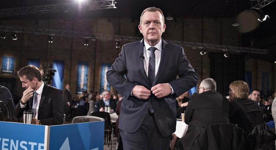 Venstre afholder i weekenden landsmøde i Herning Kongrescenter. Her ses Venstres formand, statsminister Lars Løkke Rasmussen på vej til talerstolen.