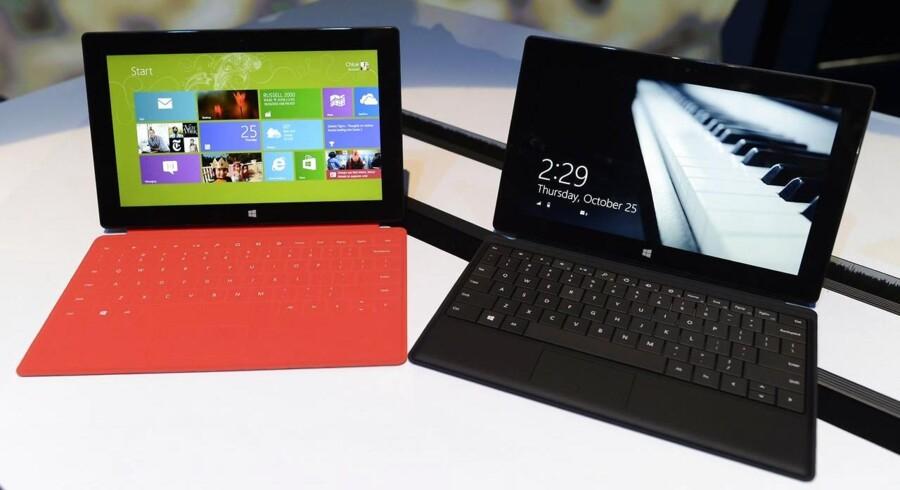 Windows 8 forsøger at bringe mobilverdenens design ind på PCen, men kombinationen har forvirret folk meget, og det ses på det dårlige salg af Windows 8. Arkivfoto: Timothy A. Clary, AFP/Scanpix