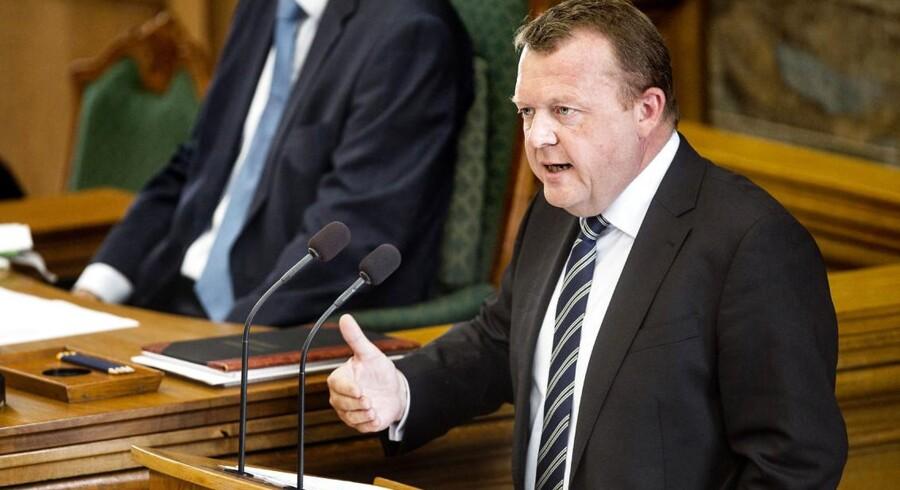 Venstres formand Lars Løkke Rasmussen på talerstolen under Folketingets afslutningsdebat.