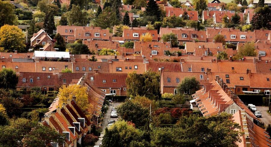 En ny opgørelse fra boligsiden Boliga viser, at der sidste år blev indgået det højeste antal familiehandler på boliger siden de glade dage før finanskrisen.