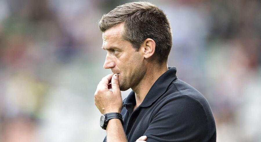 Arkivfoto. Trods nedrykning tror man i Viborg på, at Johnny Mølby som cheftræner kan føre klubben tilbage i Superligaen.
