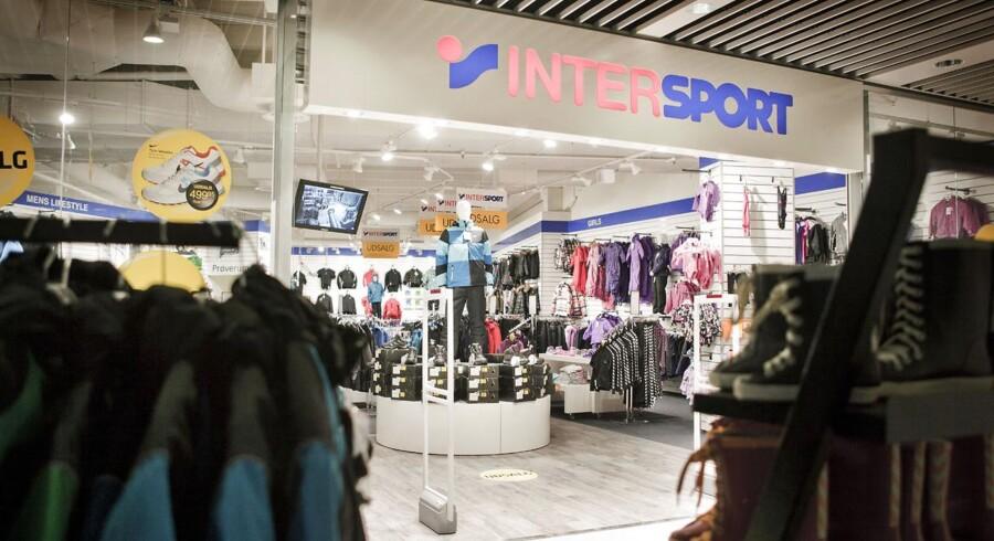 Der er flere butikker i sportskæden Intersport, der kæmper for at klare sig ud af krisen. Generelt i detailbranchen har mange butikker problemer.