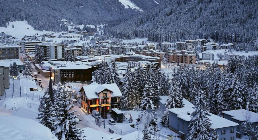 """Det årlige World Economic Forum 2016 afholdes i den lille bjergby Davos i Schweiz. Temaet for årsmødet er """"Den fjerde industrielle revolution"""" og løber frem til den 23. januar."""