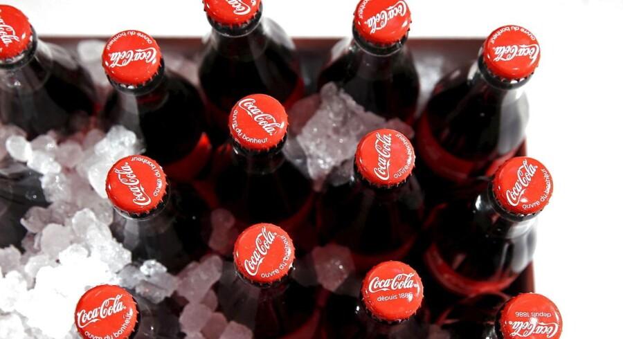 Coca-Cola solgte i fjerde kvartal af 2015 mere sodavand målt på volumen, men det halter en smule med at holde momentum på toplinjen.