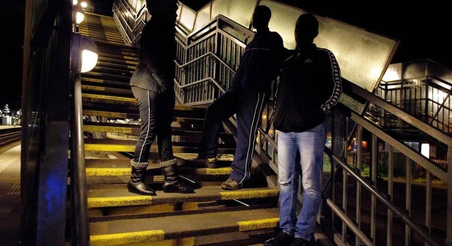 Berlingske mødte i oktober de tre kristne eritrianere, 29-årige Kflom, hans kusine Senait, 29, og Kifbe, 33. De ankom i september til Danmark, hvor de har søgt om asyl. Militærtjeneste på ubestemt tid og frygten for vilkårlige anholdelser og overgreb er hovedårsagen til deres flugt. En ny rapport fra Údlændingestyrelsen om forholdene i Eritrea møder nu voldsom kritik.