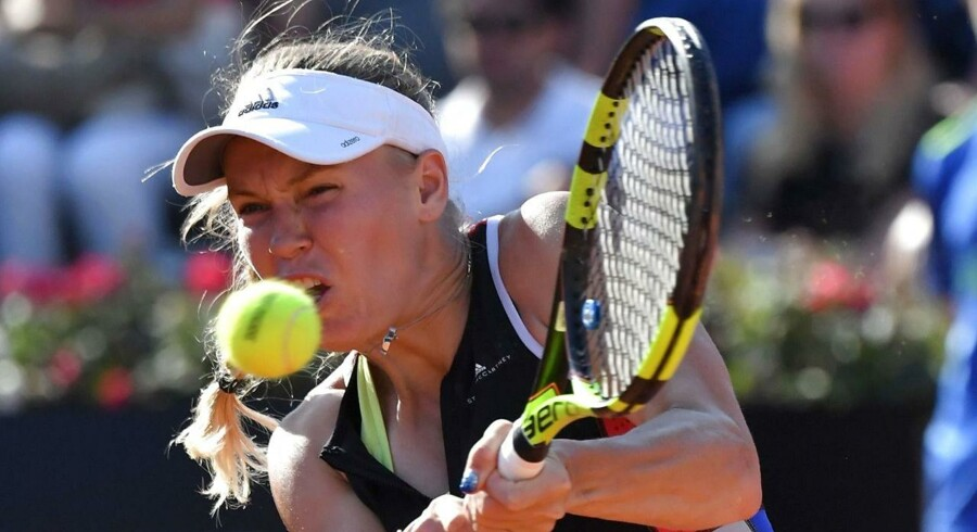 Caroline Wozniacki spiller mod estiske Anett Kontaveit i Roms WTA Tennis Open tournament 18. maj.