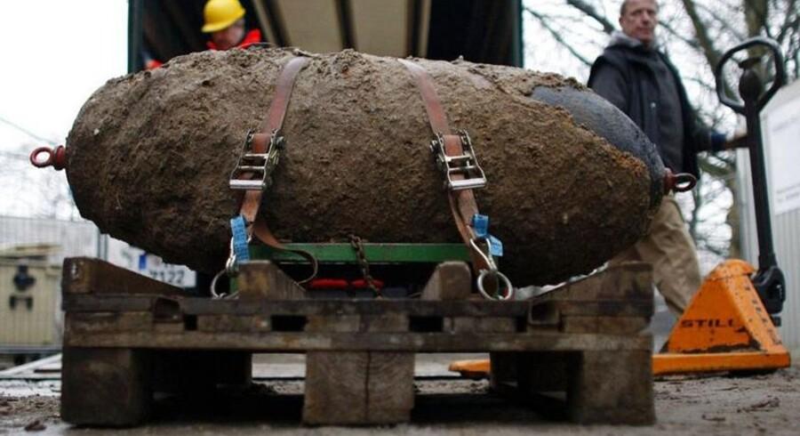 Det er ikke første gang, at der dukker bombelevn op fra Anden Verdenskrig. I 2007 blev 14.000 indbyggere i Hannover i Tyskland evakueret, for at myndighederne kunne uskadeliggøre en halvtons-bombe (billedet) fra Anden Verdenskrig, som lå begravet 7,5 meter under en parkeringsplads.