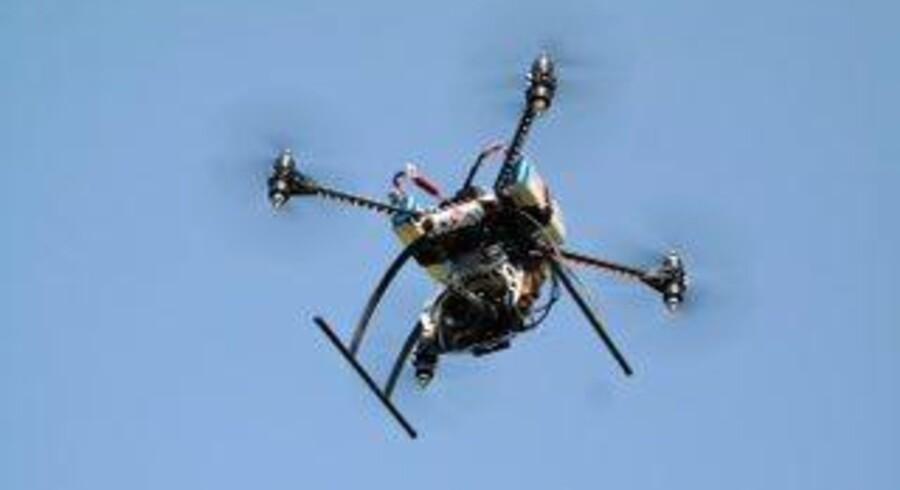I løbet af de næste ti år vil kommercielle droner kunne udgøre op mod ti procent af markedet for civil luftfart til en værdi af 15 milliarder euro. Det vurderer EU-Kommissionen ifølge en nylig rapport fra Teknologirådet.
