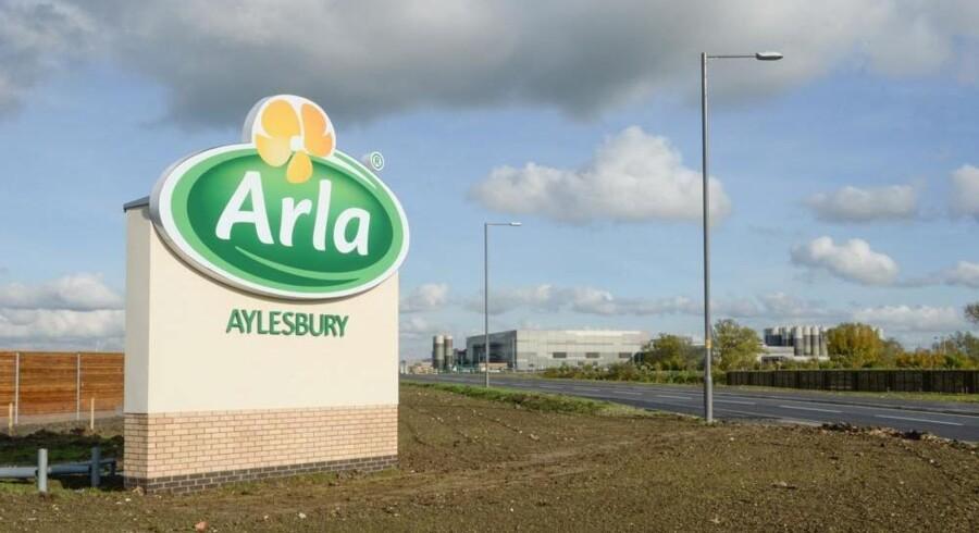 Verdens største mejeri med produktion af frisk mælk, Arla Aylesbury, nordvest for London, sendte i sidste uge de første produkter ud til supermarkeder i London-området. Når mejeriet i 2016 er oppe på fuld kapacitet, ventes det at producere dobbelt så meget som Arlas tre danske frisk mælksmejerier tilsammen. Foto: Arla Foods