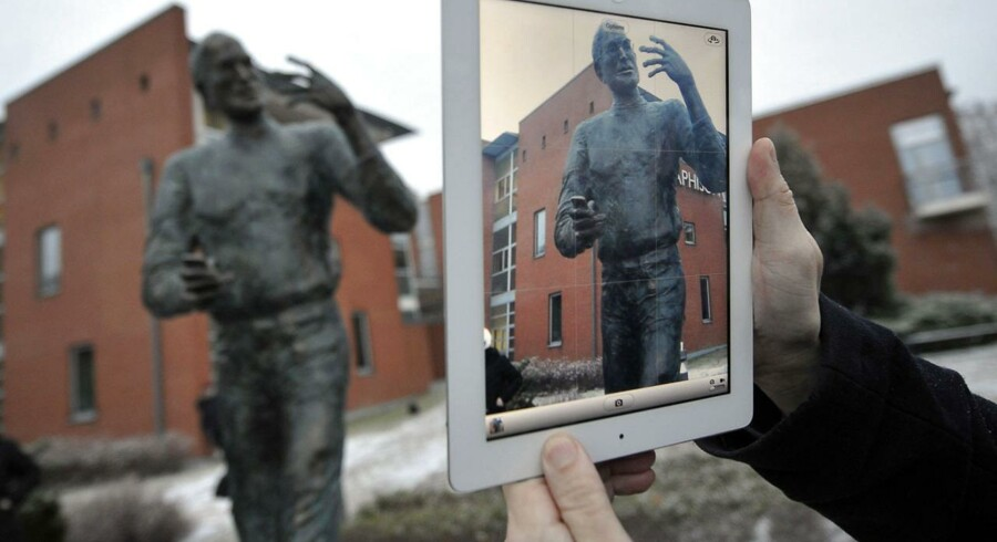 Apple-medstifter Steve Jobs, der døde i 2011, er allerede portrætteret som statue i Budapest i Ungarn (billedet) men skal nu også stå i sin hjemegn i USA, mener entusiaster. Foto: Attila Kisbenedek, AFP/Scanpix