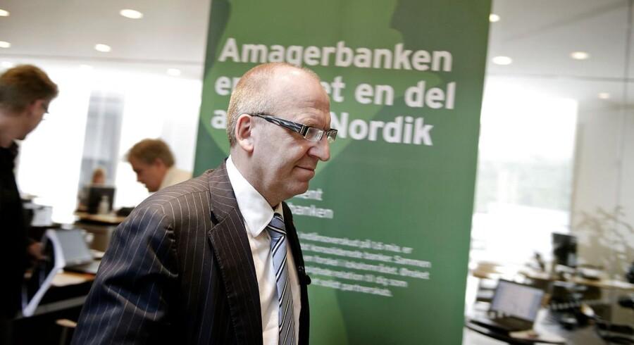 ARKIVFOTO. Janus Petersen, forhenværende administrerende direktør i BankNordik, fortæller om bankens overtagelse af de sunde dele af Amagerbanken på et pressemøde fredag d. 1 juli 2011 i København. Han afløses nu af Árni Ellefsen.