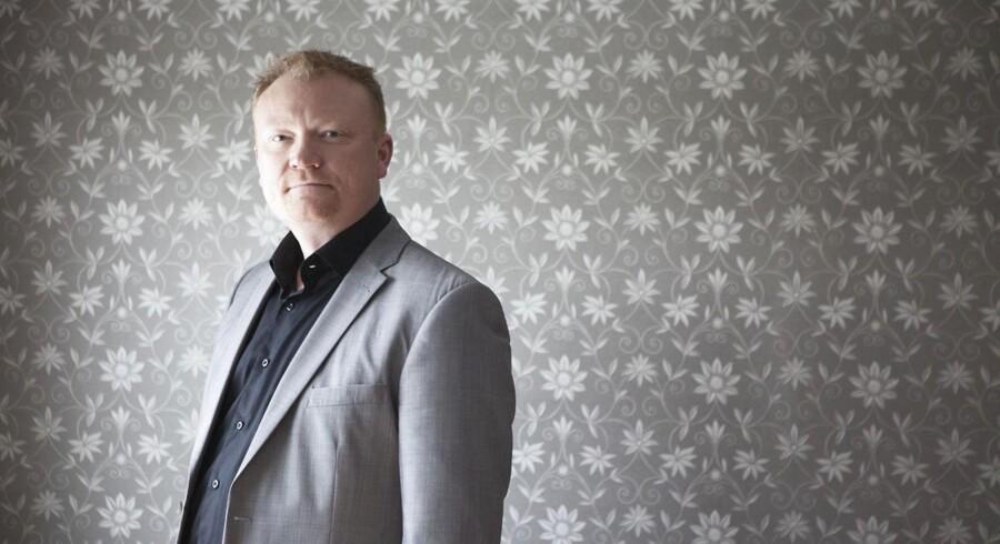 Efter flere år med underskud er Danmarks sidste tapetfabrik, Juvita, nu begæret konkurs. Her ses chefen for Juvita Tapet, Christian Boye. Arkivfoto.
