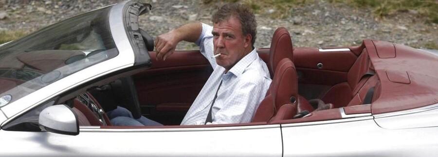 Top Gear-vært Jeremy Clarkson er suspenderet fra BBC på ubestemt tid, fordi han angiveligt skulle have slået ud efter produceren.